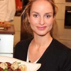Lara Joy Körner
